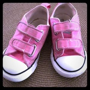 Converse toddlers size 7